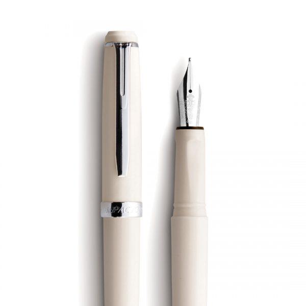 detalhe caneta tinteiro white