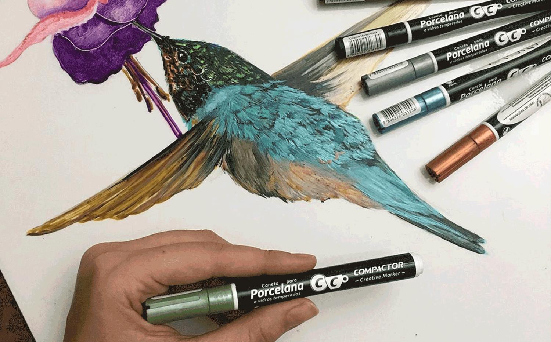 Razões para escolher cores metálicas para pintar porcelana